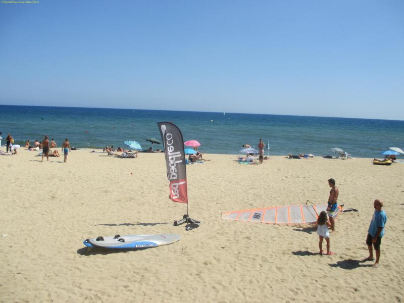 Barcelona, Beach Boys  I Shoot I Zoom Some Sassy Shots